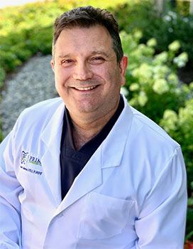 Dr. Nestor Cohenca.