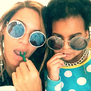 Beyonce Makes Flossing a Family Affair