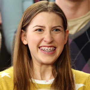 Eden Sher and the Lost Retainer