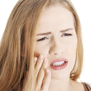 3WaystoStoporReducePainfulToothSensitivity